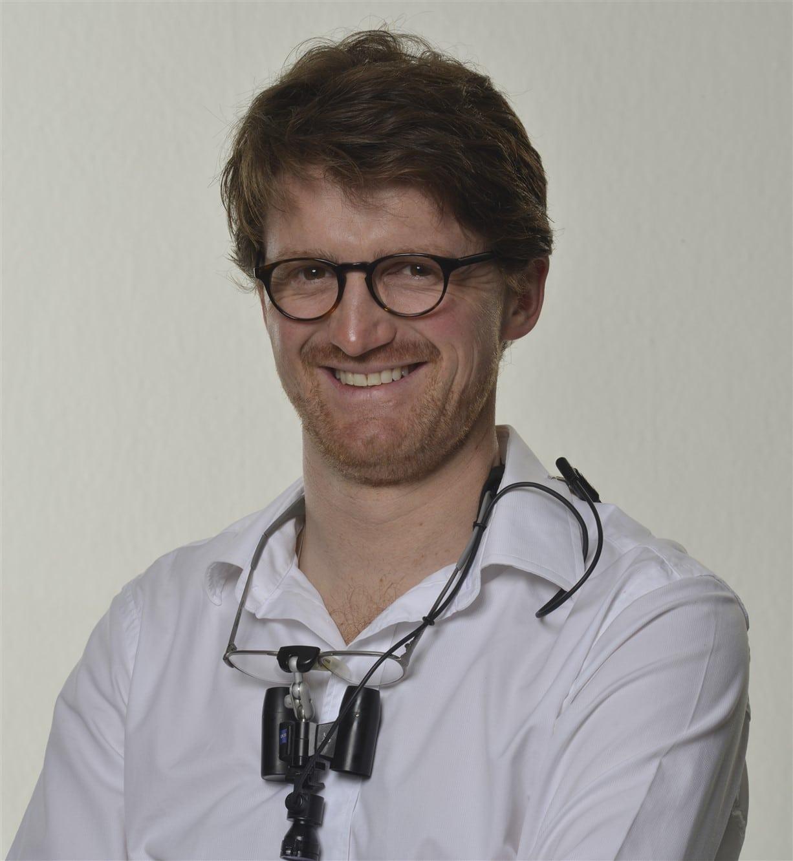 Dr. Simon Haug
